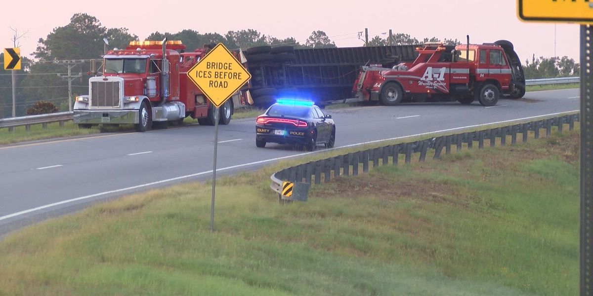 TRAFFIC UPDATE: Ramp re-opens after semi rolls over