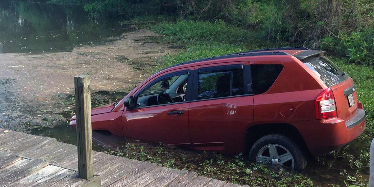 Police: Car submerged in water was stolen