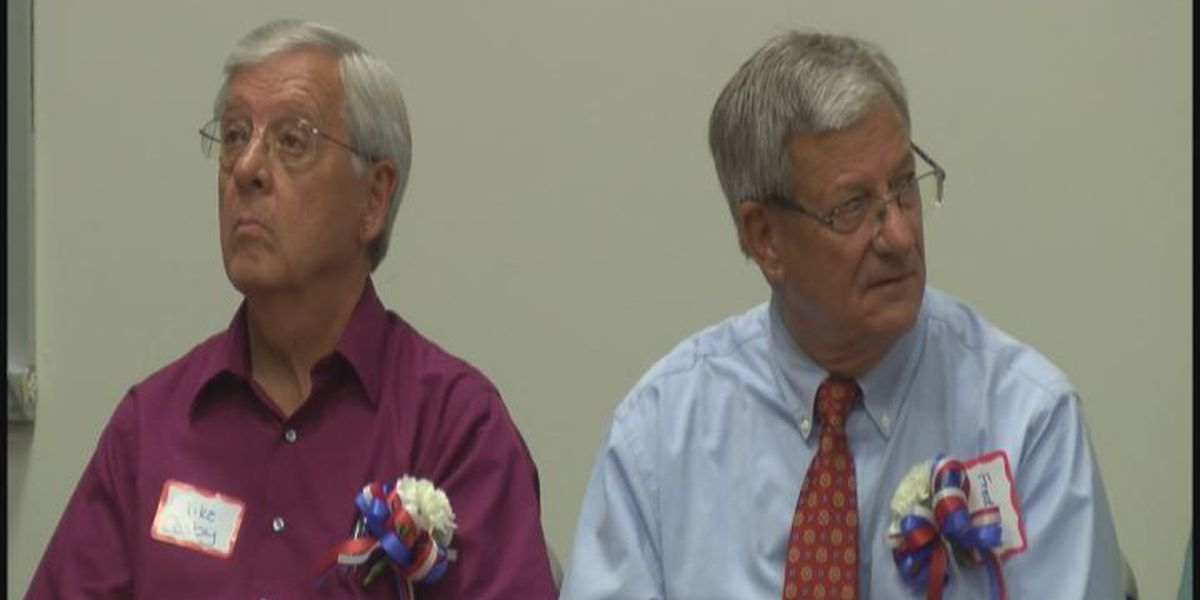 Candidates for Worth Co. Commission Chairman meet with voters