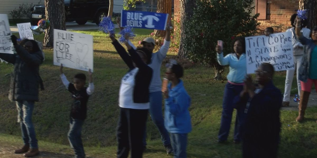 Blue Devils embraced throughout championship parade