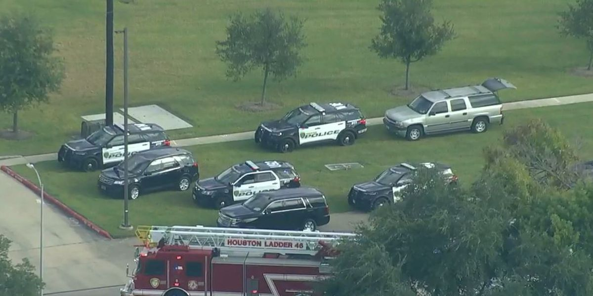 Police: Houston officer killed in shooting, another wounded