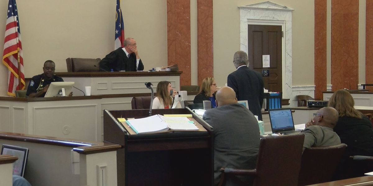 Closing arguments delivered, jury deliberates in Albany double murder trial
