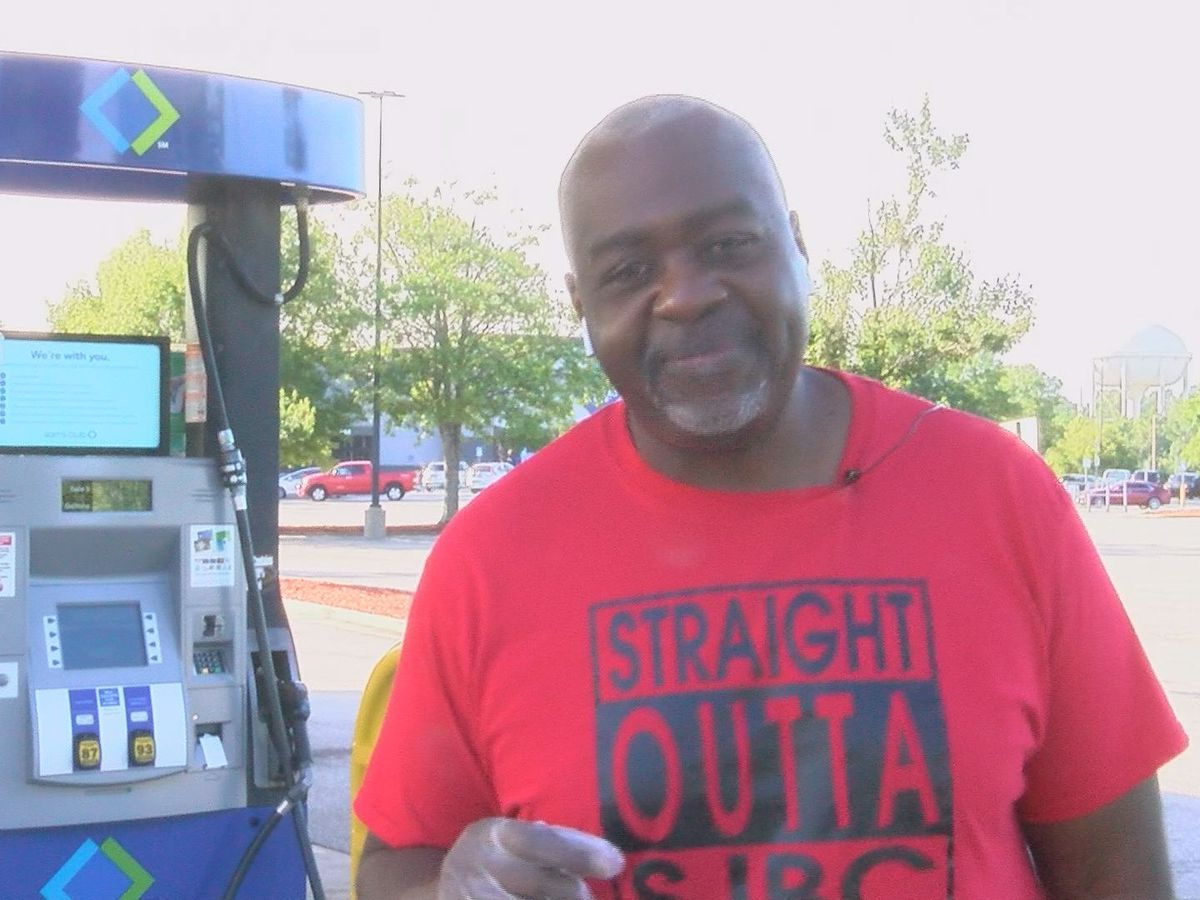 Filling the tank: Baconton pastor helps those who are helping others