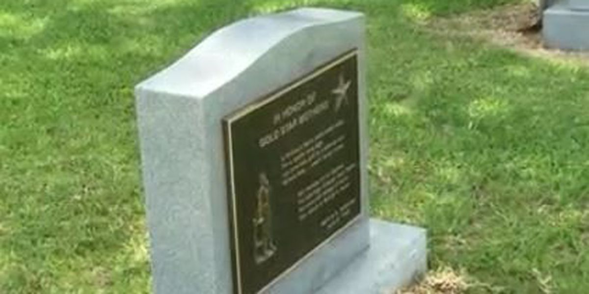New 'Gold Star Mothers Memorial Monument' placed at Grady County Courthouse