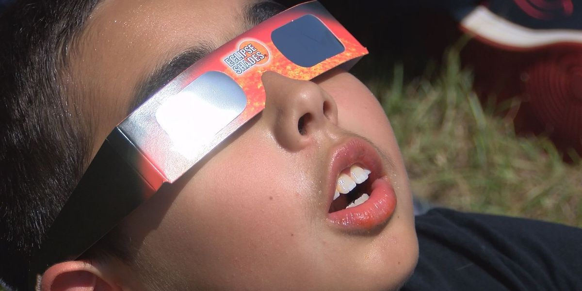 Solar eclipse glasses to be donated to Astronomers Without Borders