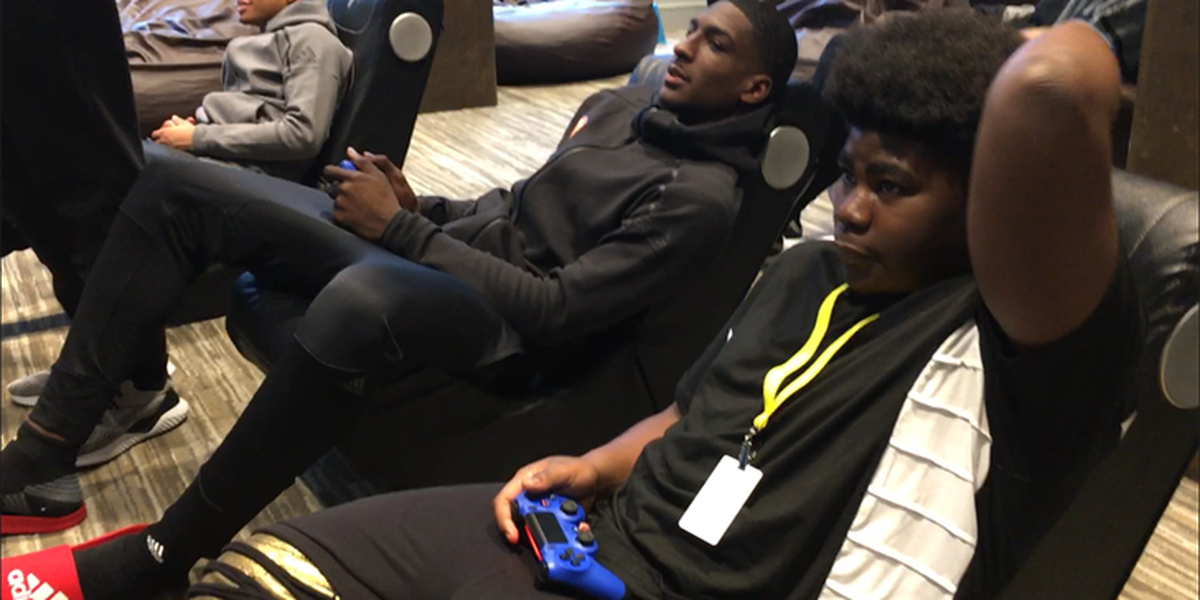 Perry, McDonald's All-Americans visit Ronald McDonald House