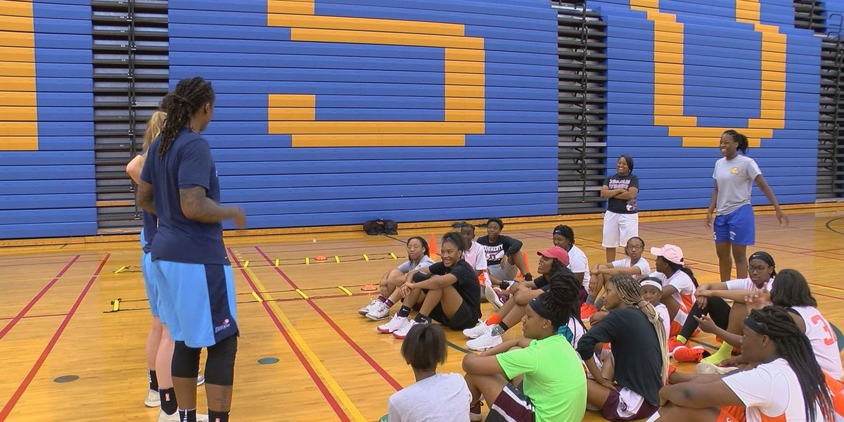Atlanta Dream host basketball clinic