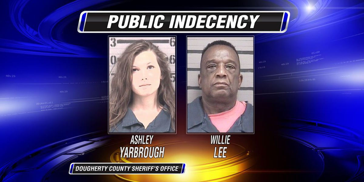 Couple caught having sex in parked car