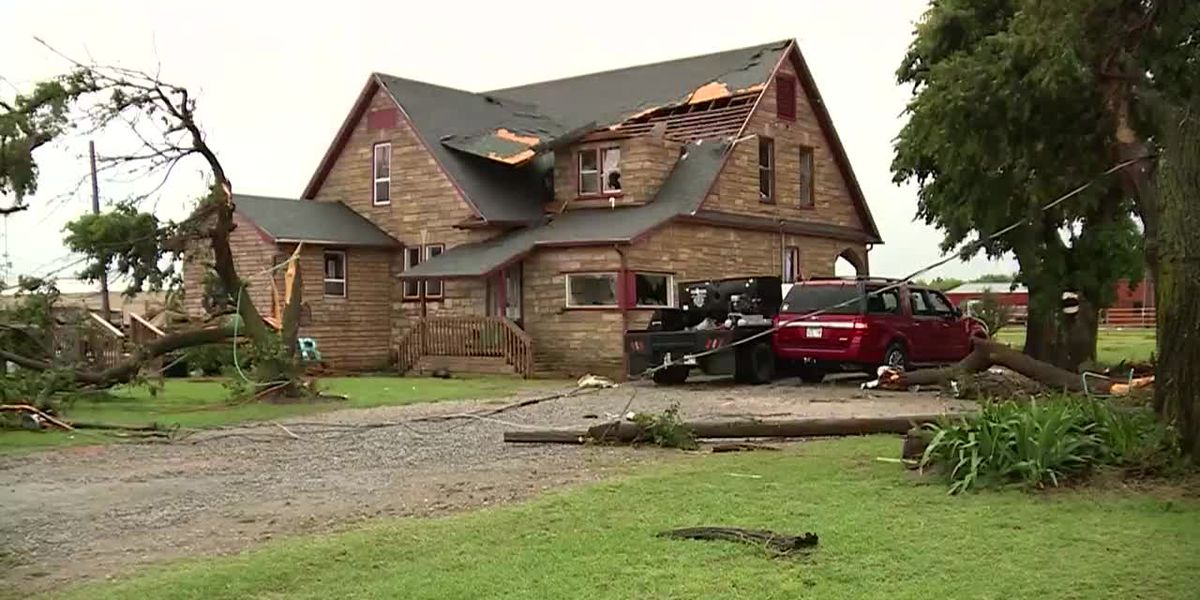 Tornadoes, flash flooding impact Okla.