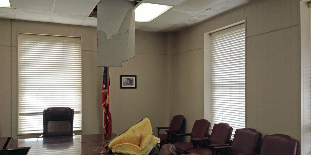 Weather damages Lee Co. courthouse