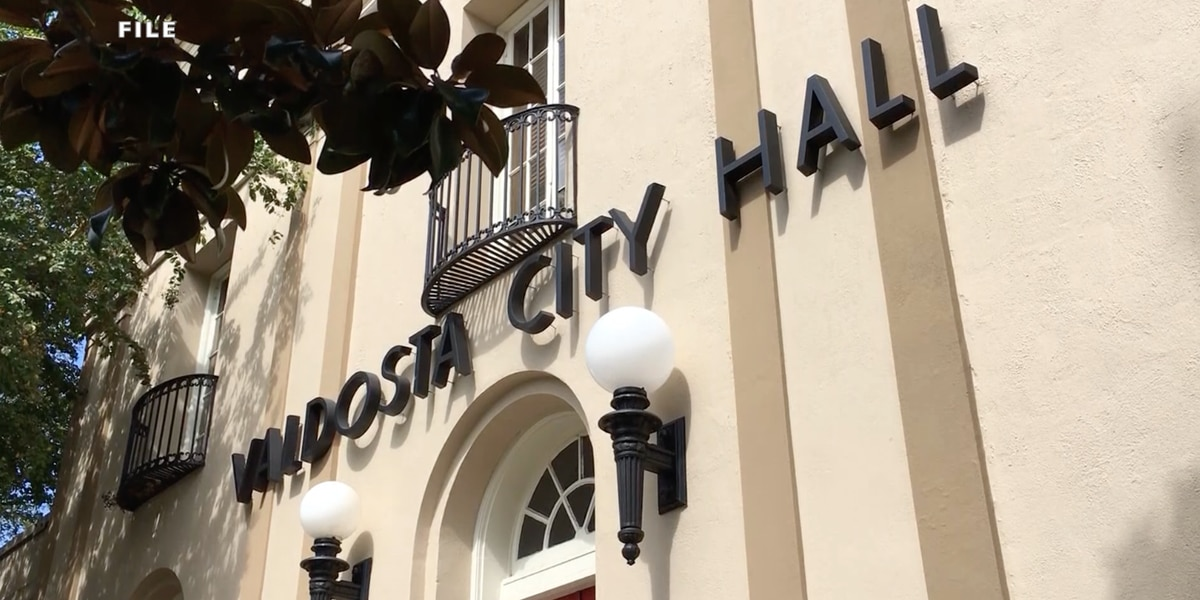 Group wants community there for ethics hearing against Valdosta mayor