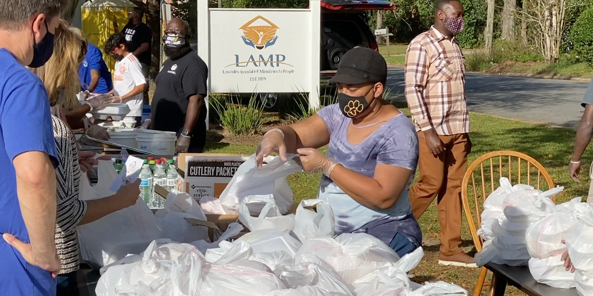 Valdosta's LAMP partners with organizations to host Thanksgiving meals distribution