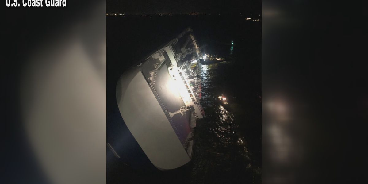 4 missing after ship capsizes off United States  coast
