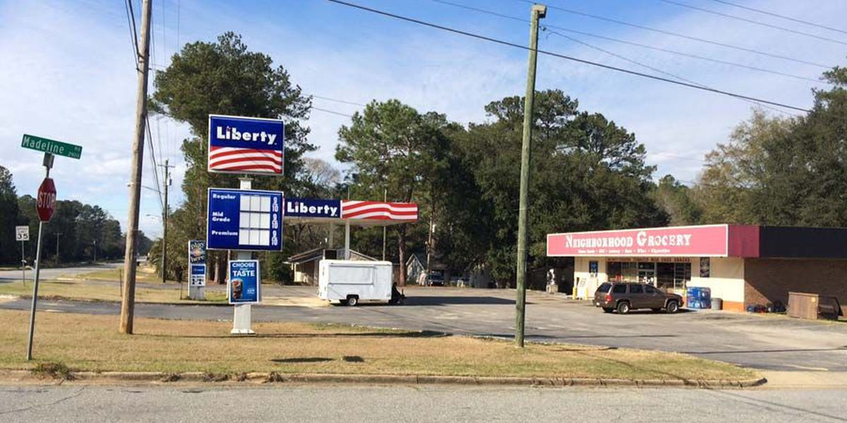 Armed robbers strike in East Albany