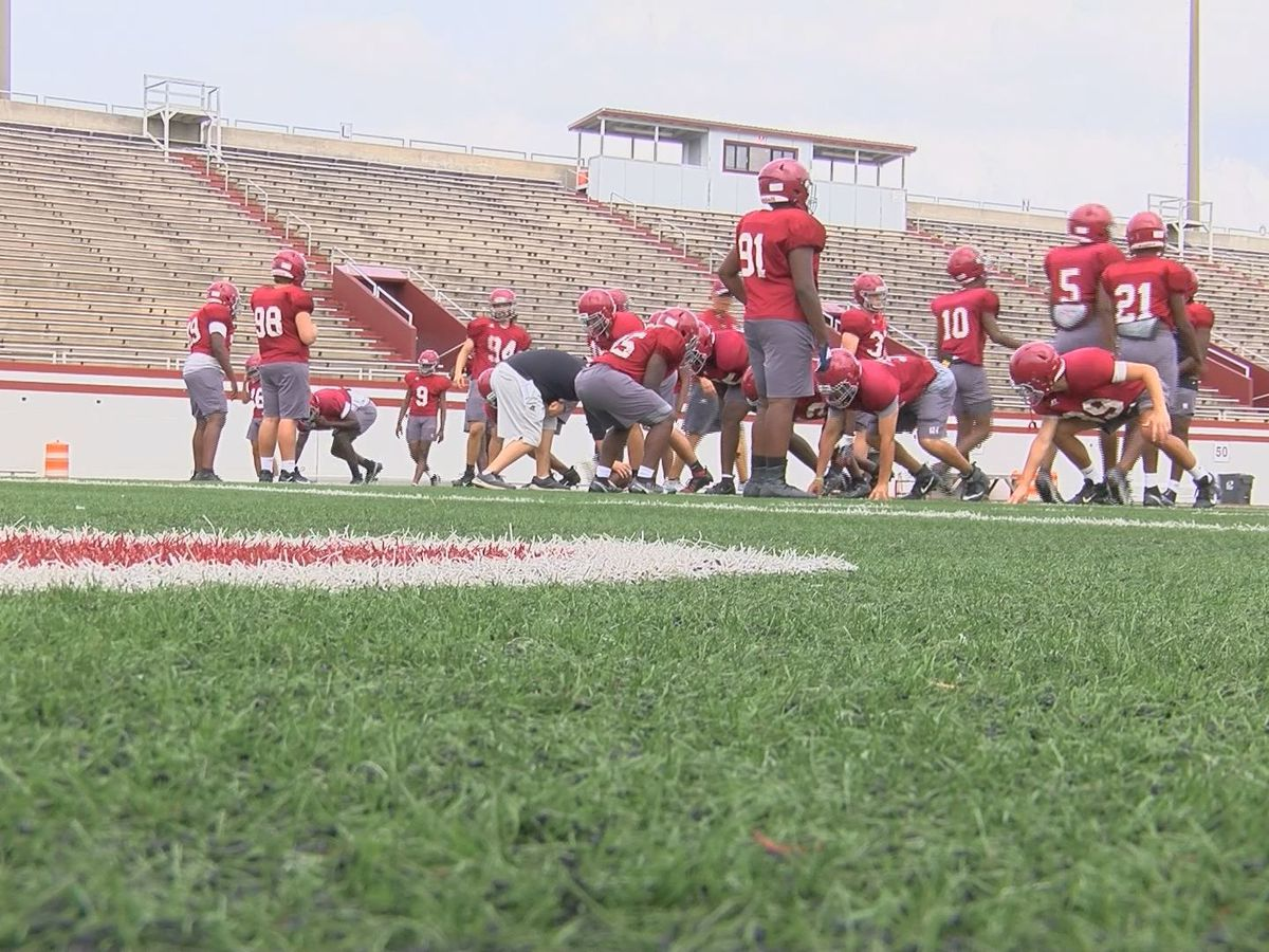 Lowndes scrimmages Warner Robins to close spring practice