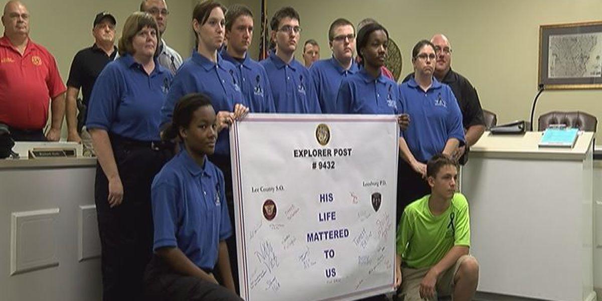 "Leesburg ""explorers"" pay respect to fallen Illinois Lt."
