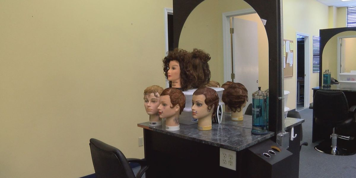 Cosmetology school offers scholarships for students