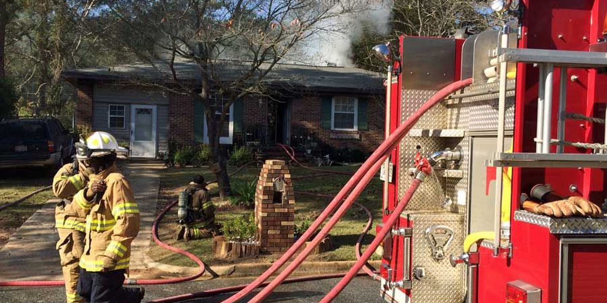 Albany homeowner escapes fire