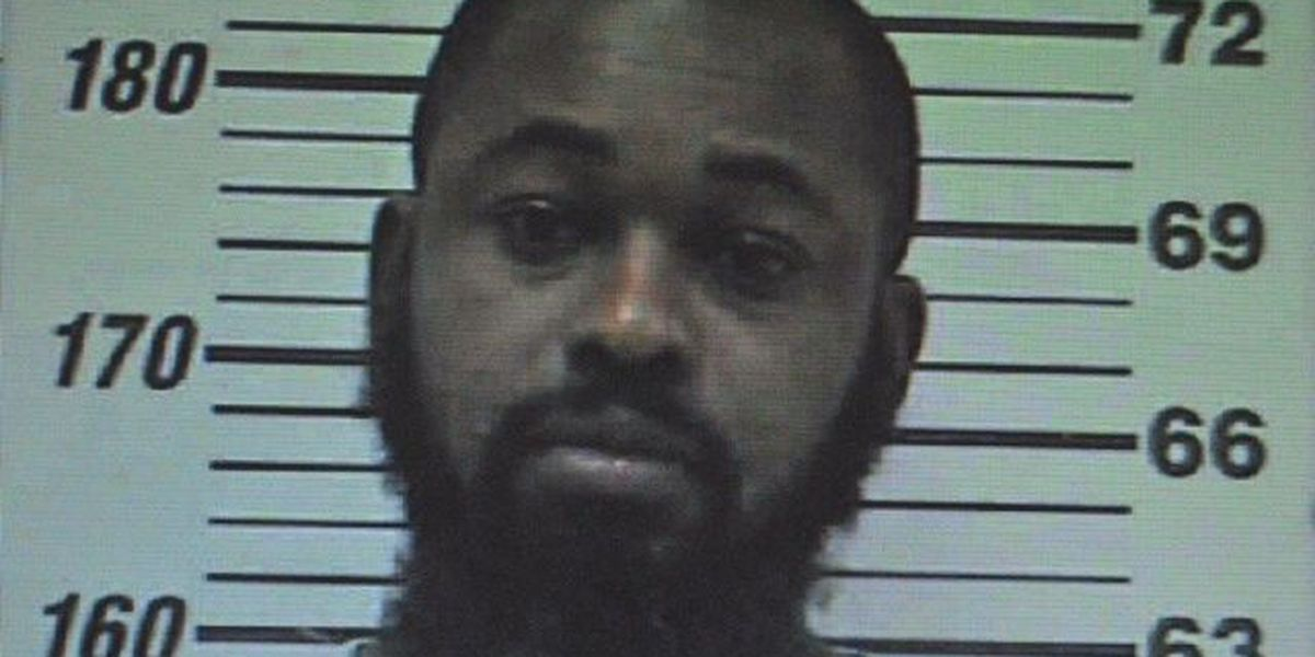 Moultrie police search for murder suspect