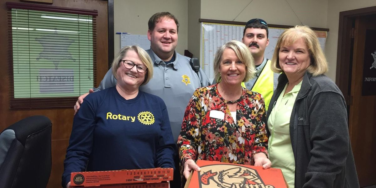 Dougherty civic club delivers pizza pies to law enforcement