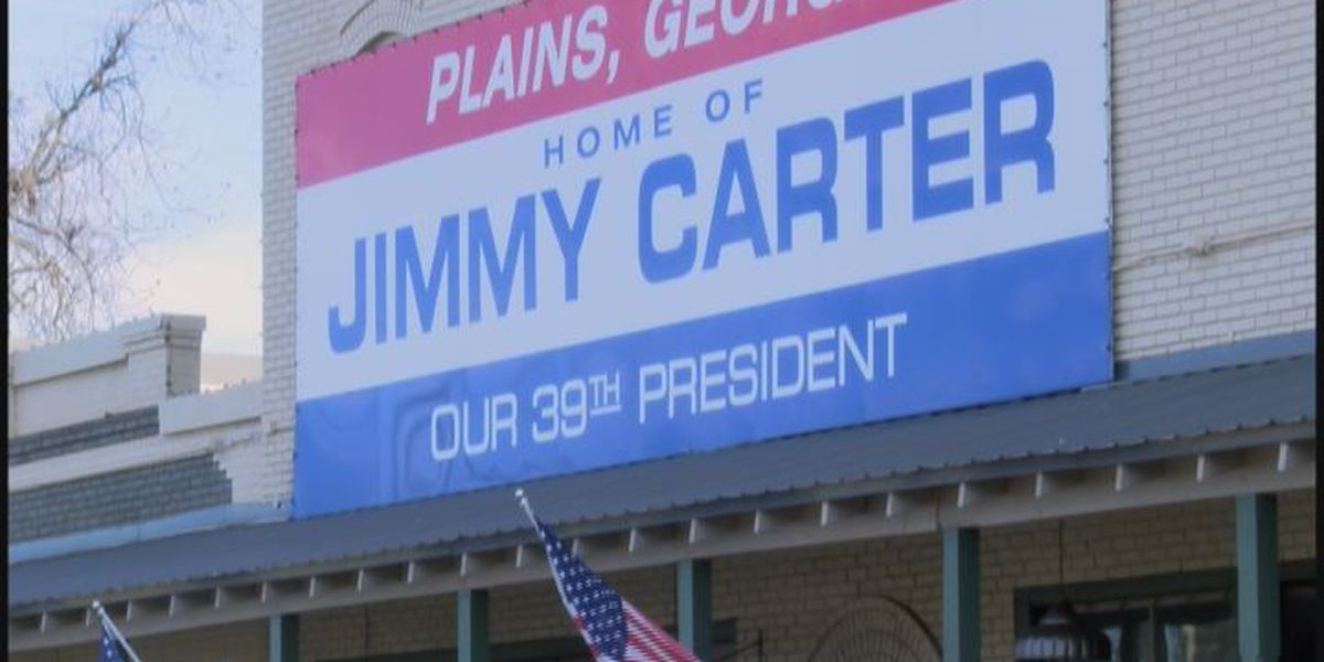 President Jimmy Carter announces cancer-free status