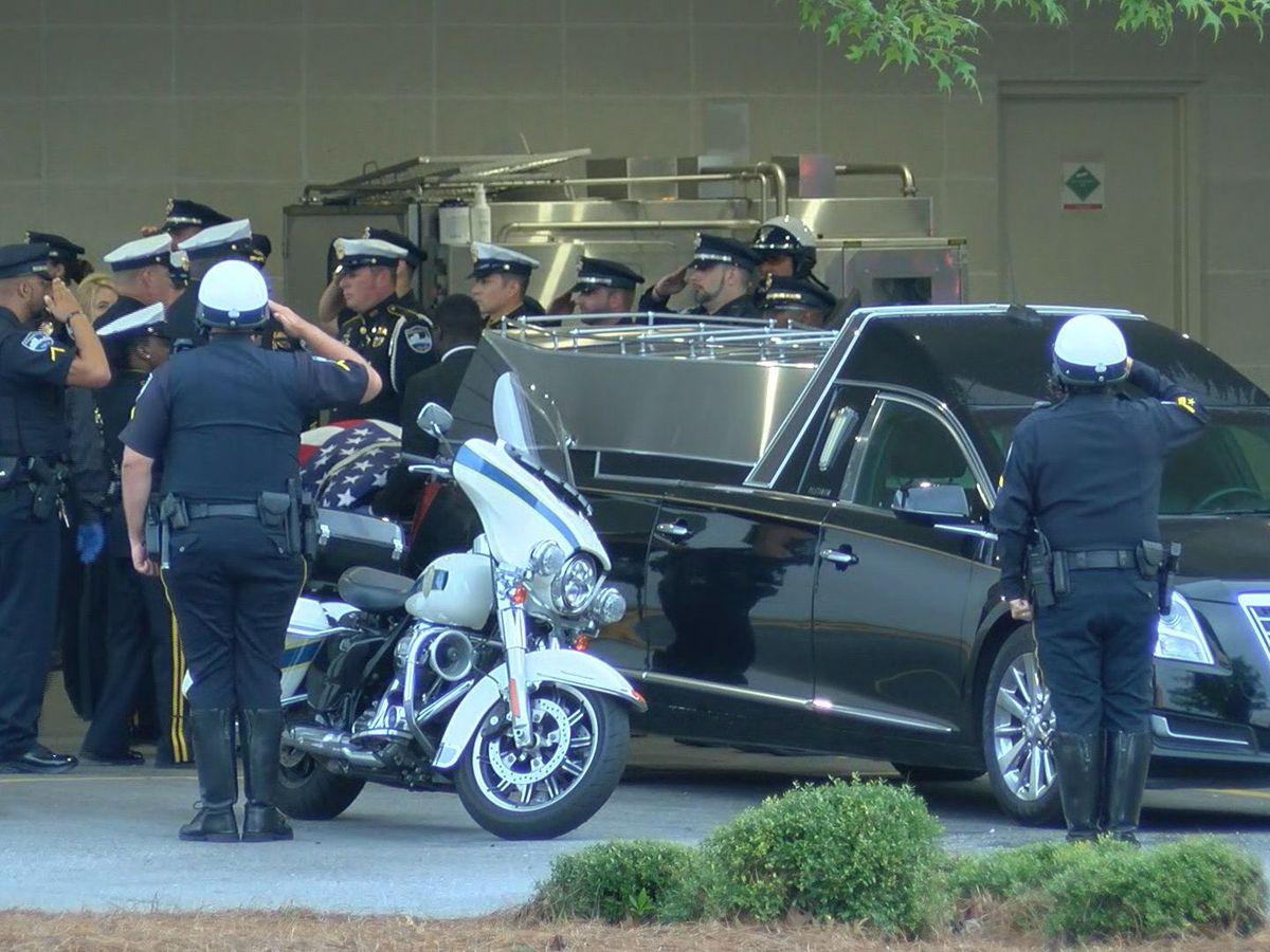 Savannah officer shot, killed responding to robbery call