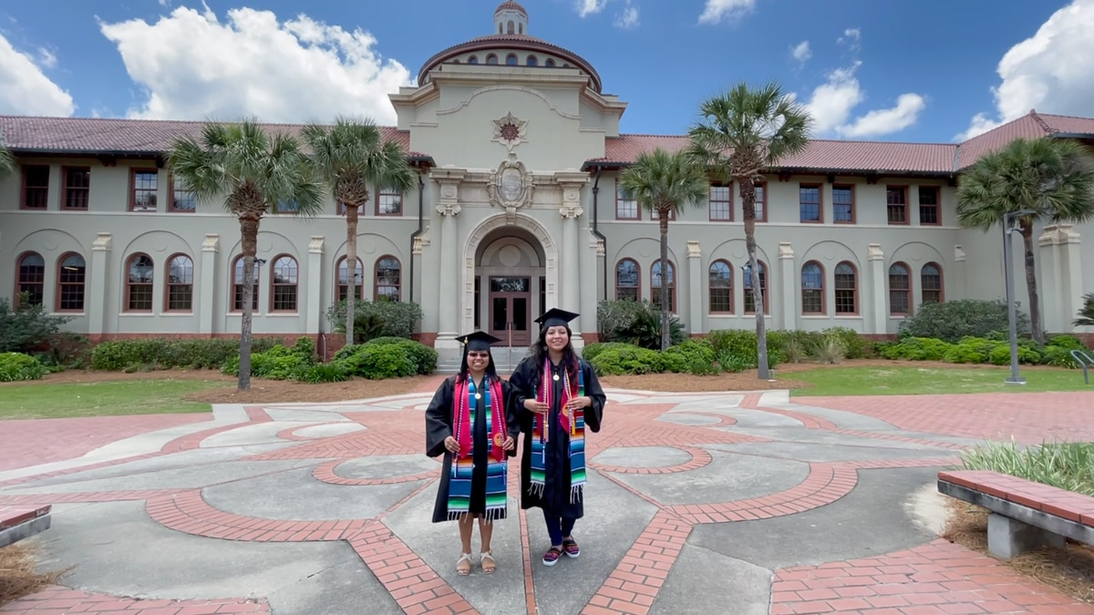 Hispanic graduates share their hardships to pursue higher education