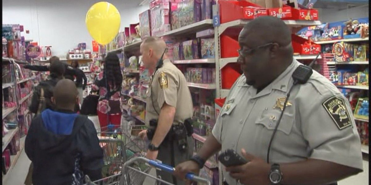 VPD hopes Shop with a Cop event will bring Valdosta community together