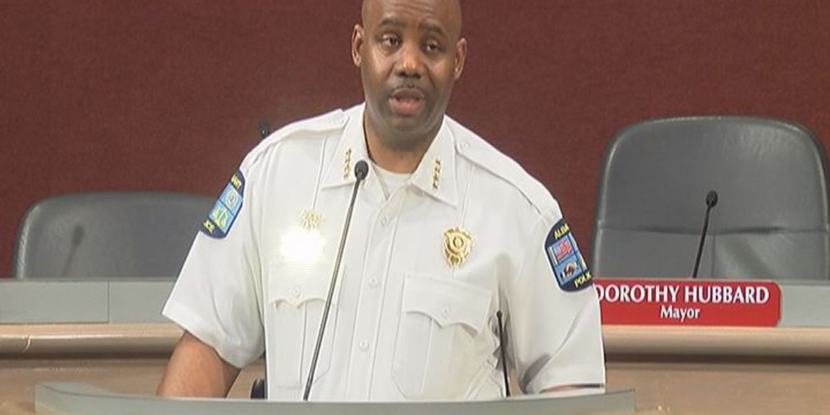 """Albany Police Chief holds """"Chat with the Chief"""""""