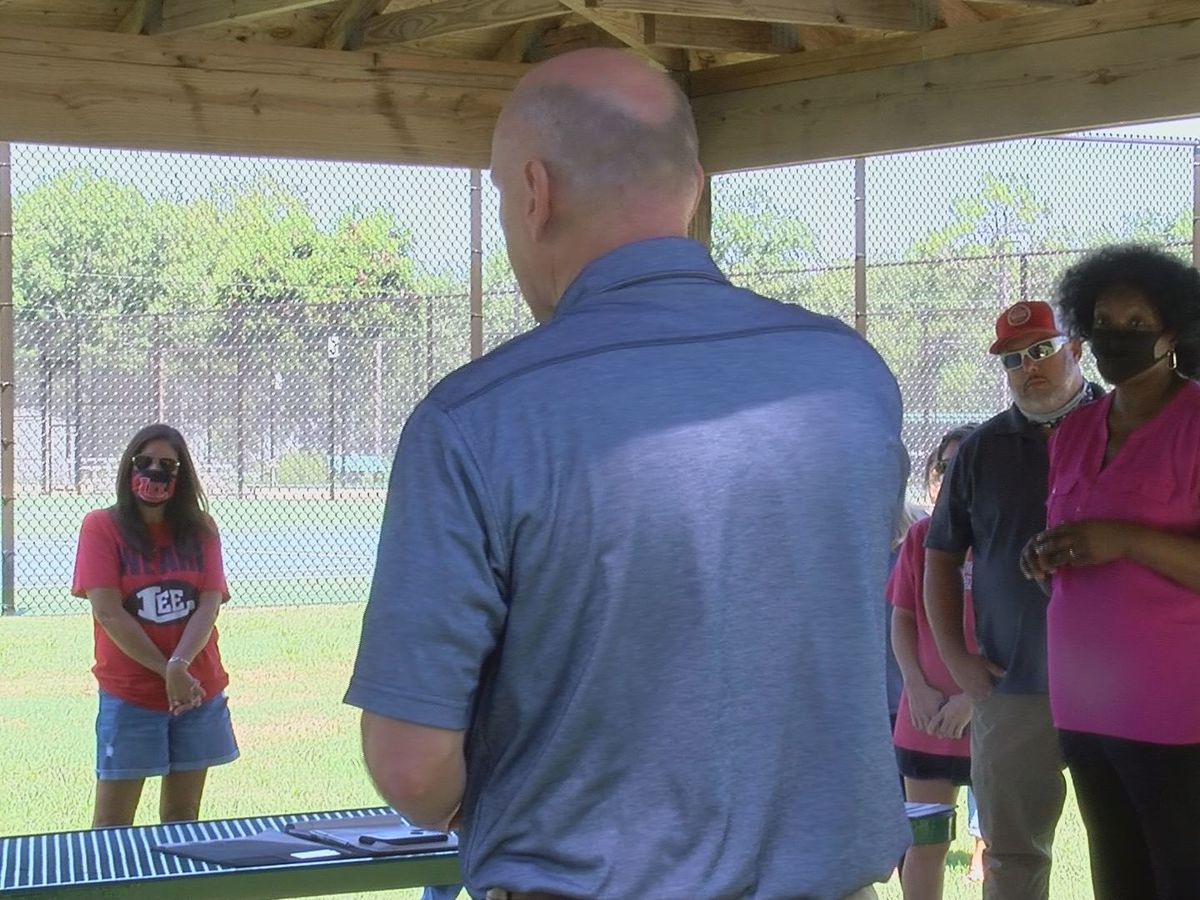 Parents of Lee Co. athletes protesting school's handling of COVID-19 cases within sports
