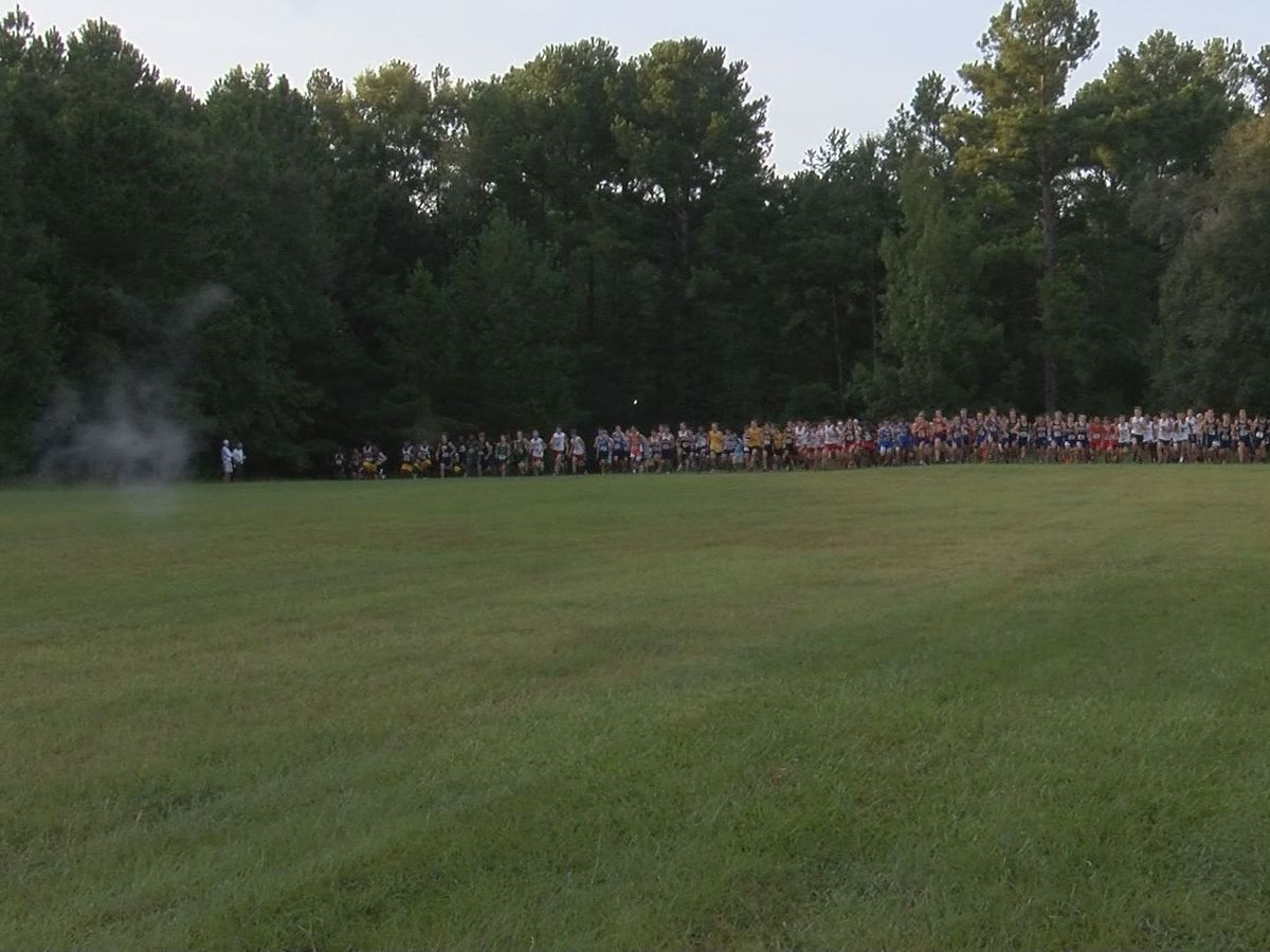 Deerfield-Windsor hosts invitation cross country meet