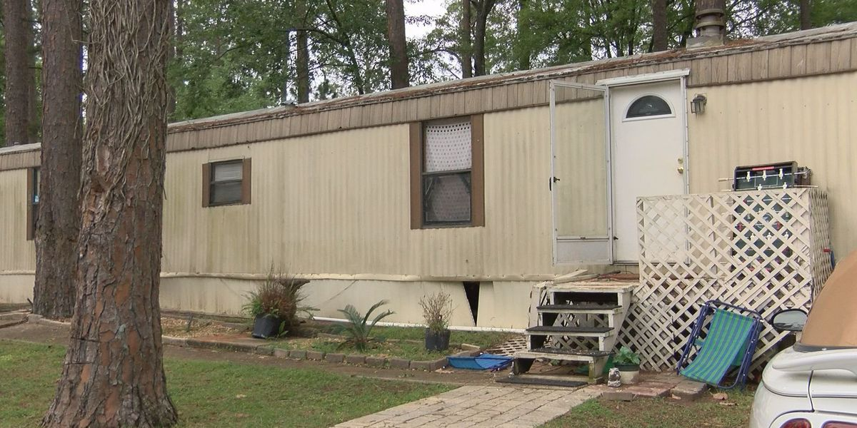 Mobile home residents seek shelters