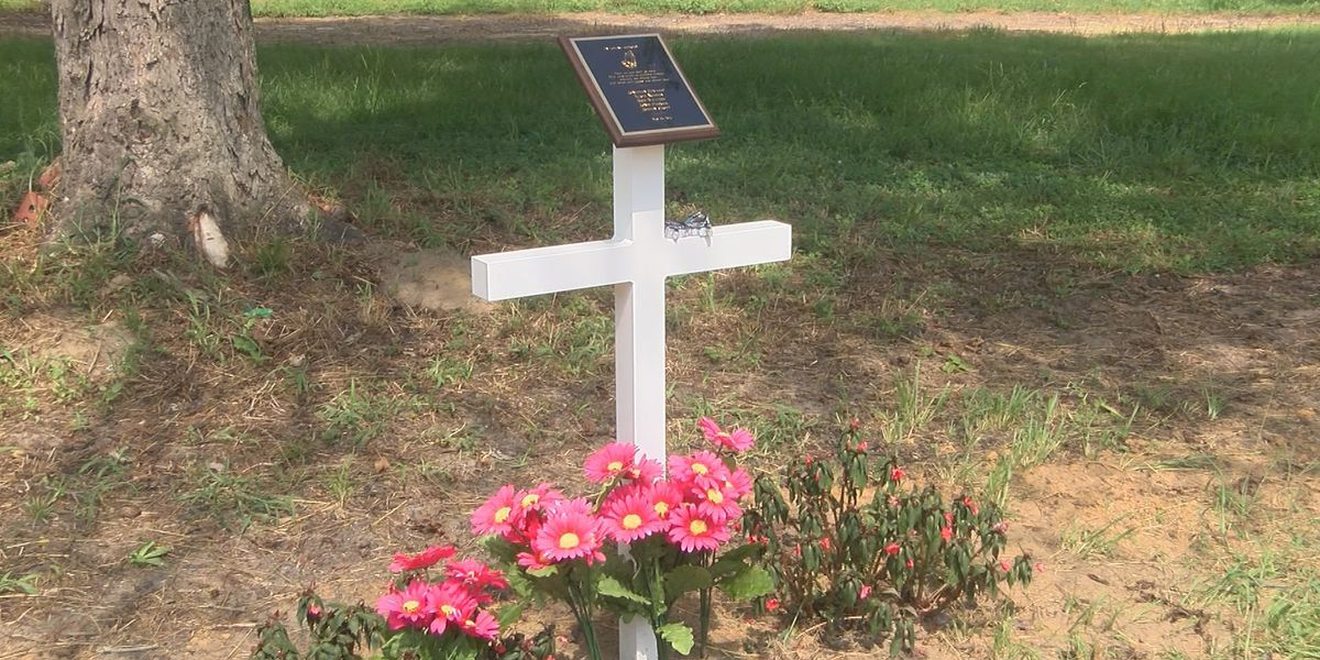 New memorial built for Colquitt Co. murder victims