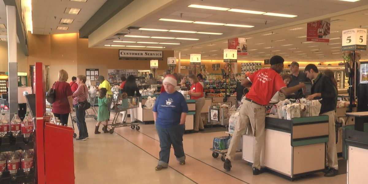 Shoppers flood grocery stores on Christmas Eve