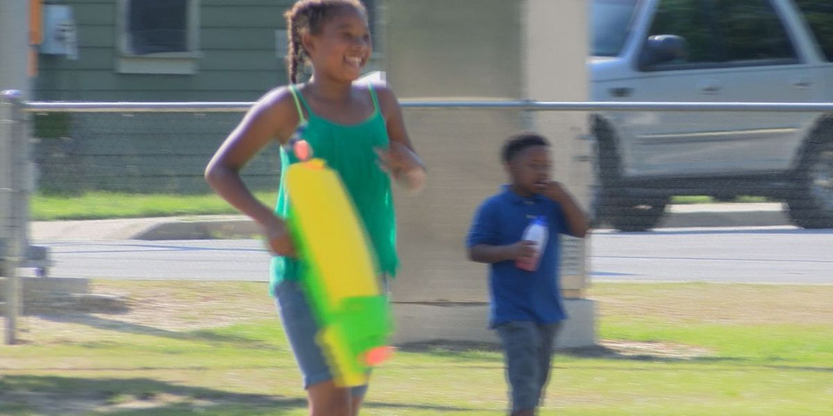 Tifton man fights violence with community party