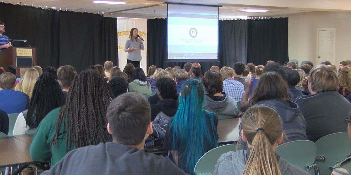 Worth Co. students take virtual tour of new high school