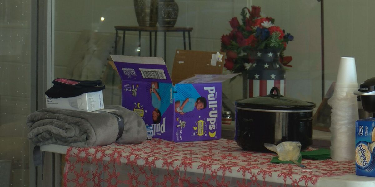 Albany business gives out blankets to Vets