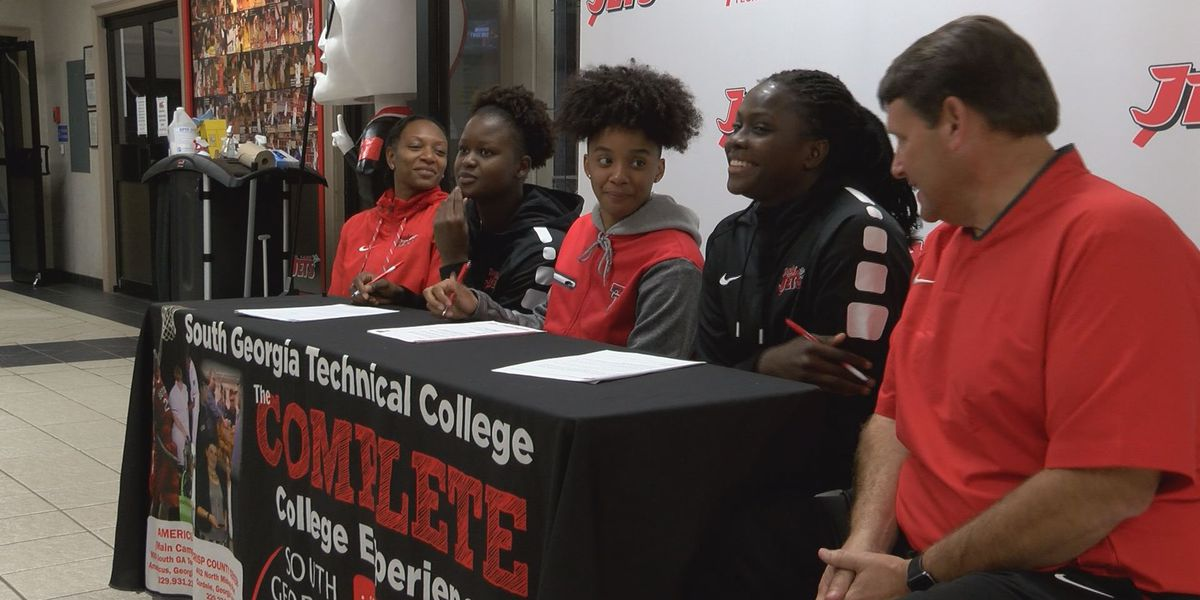 3 Lady Jets sign to Power 5 basketball schools