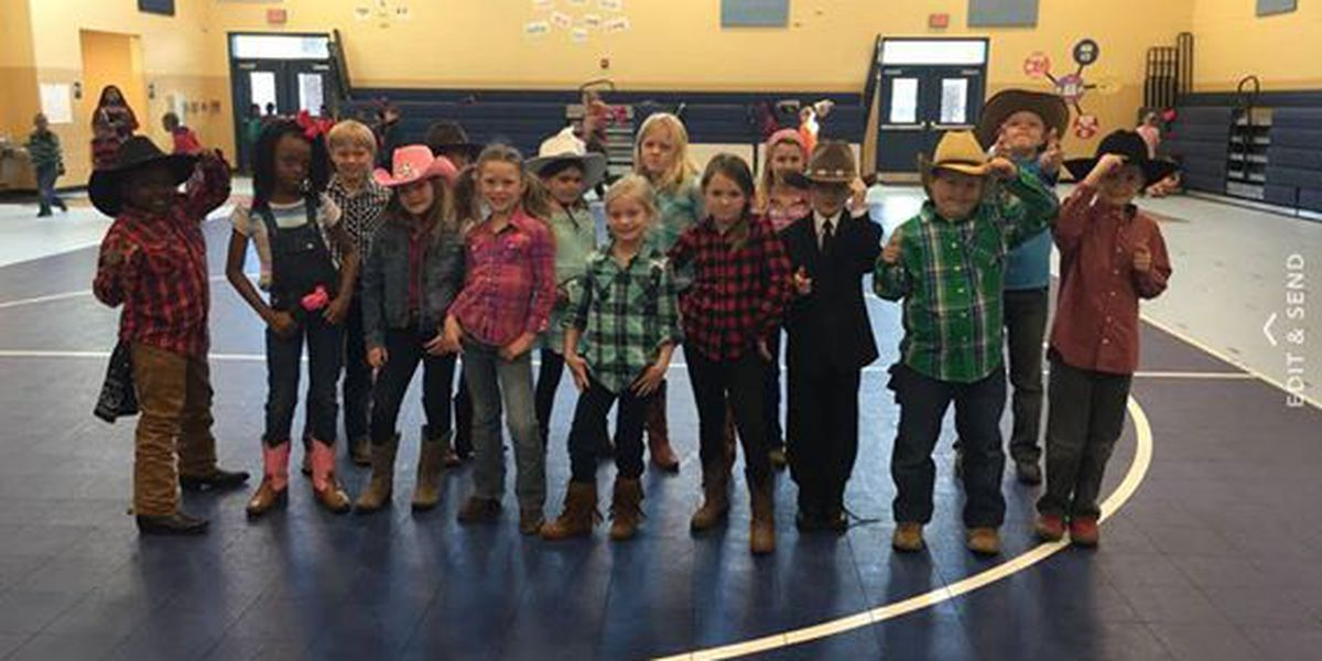 """Garrison Pilcher students """"Book, Scoot, and Boogie"""" to celebrate reading goal"""