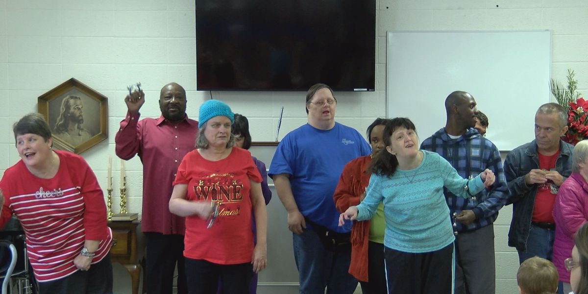 ARC carolers brighten Porterfield Memorial United Methodist Church