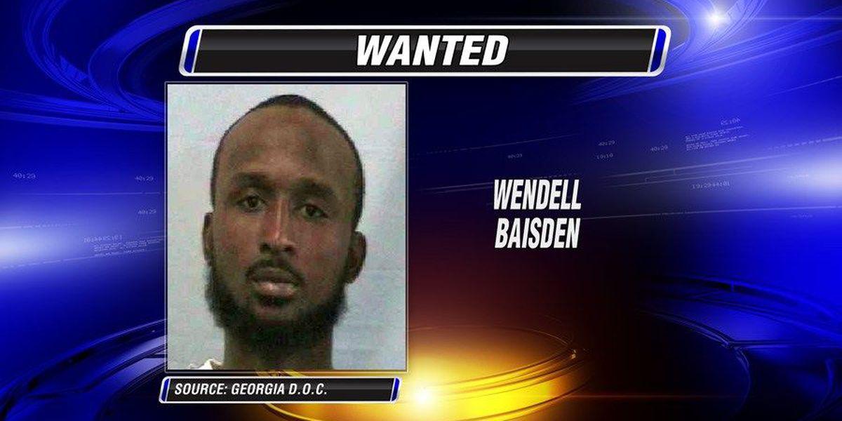 Fleeing probationer sought in Lowndes Co.