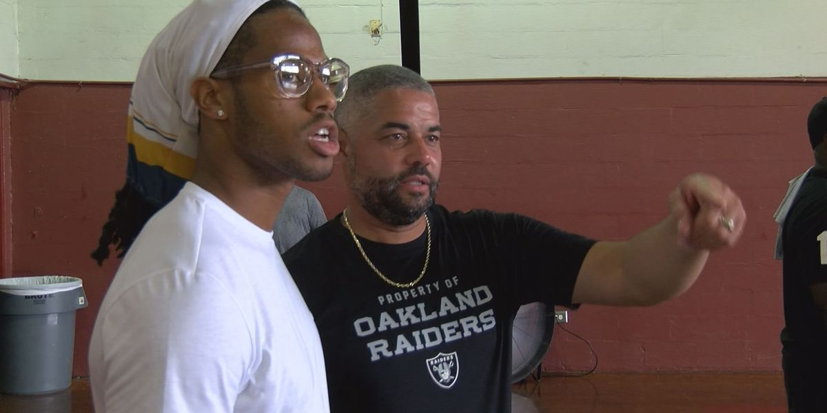 Raiders' Roberts gives back at 'Keep it Alive Community Day'