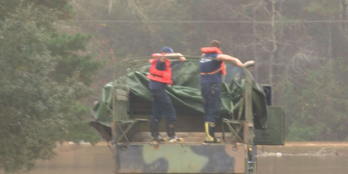 Stranded flood victims get rescued in Lee County