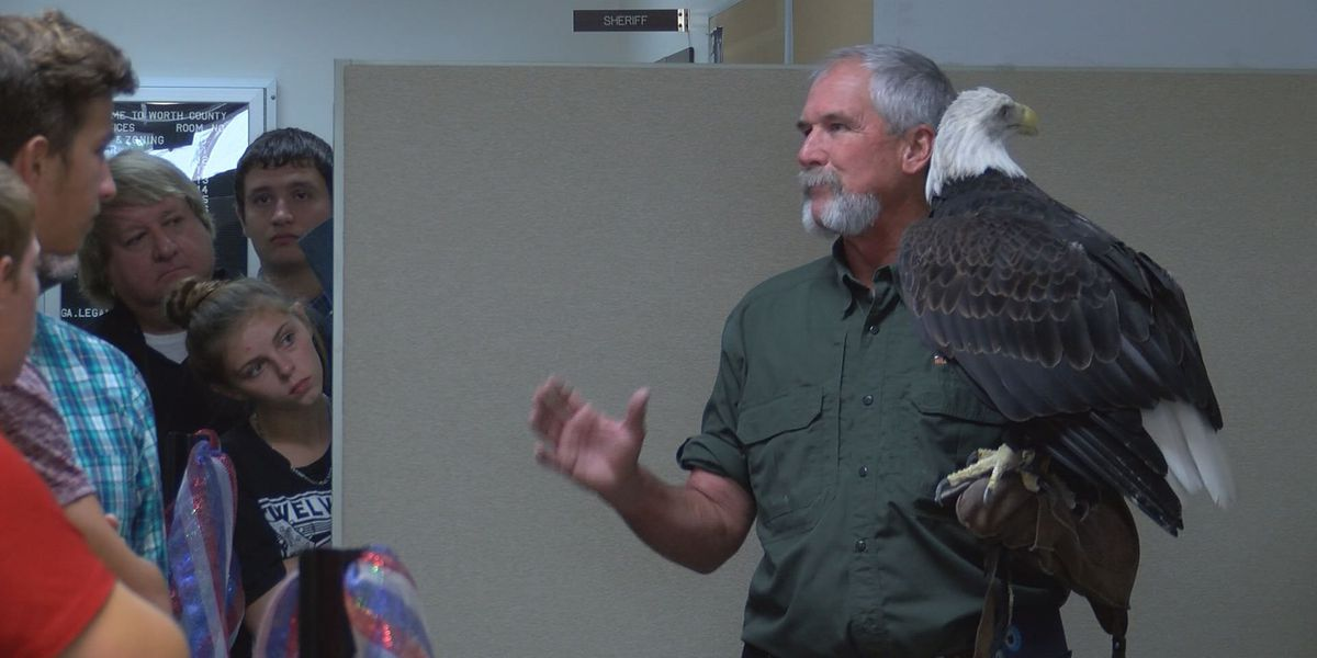 Worth Co. students take a 'walk on the wild side', learn about conservation