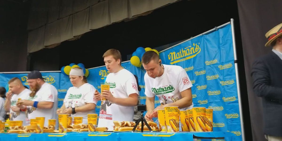 2 head to Coney Island for national hot dog eating competition