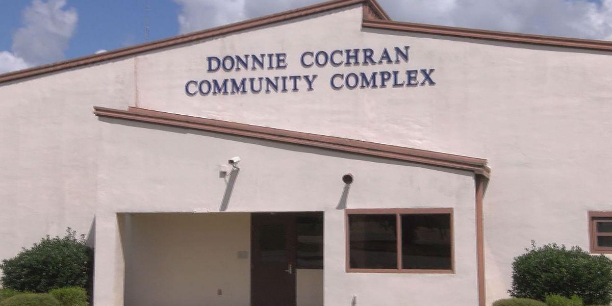 Governor Deal visits Pelham to dedicate new community center