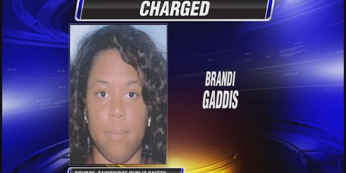 Woman pleads guilty to fire that injured a firefighter