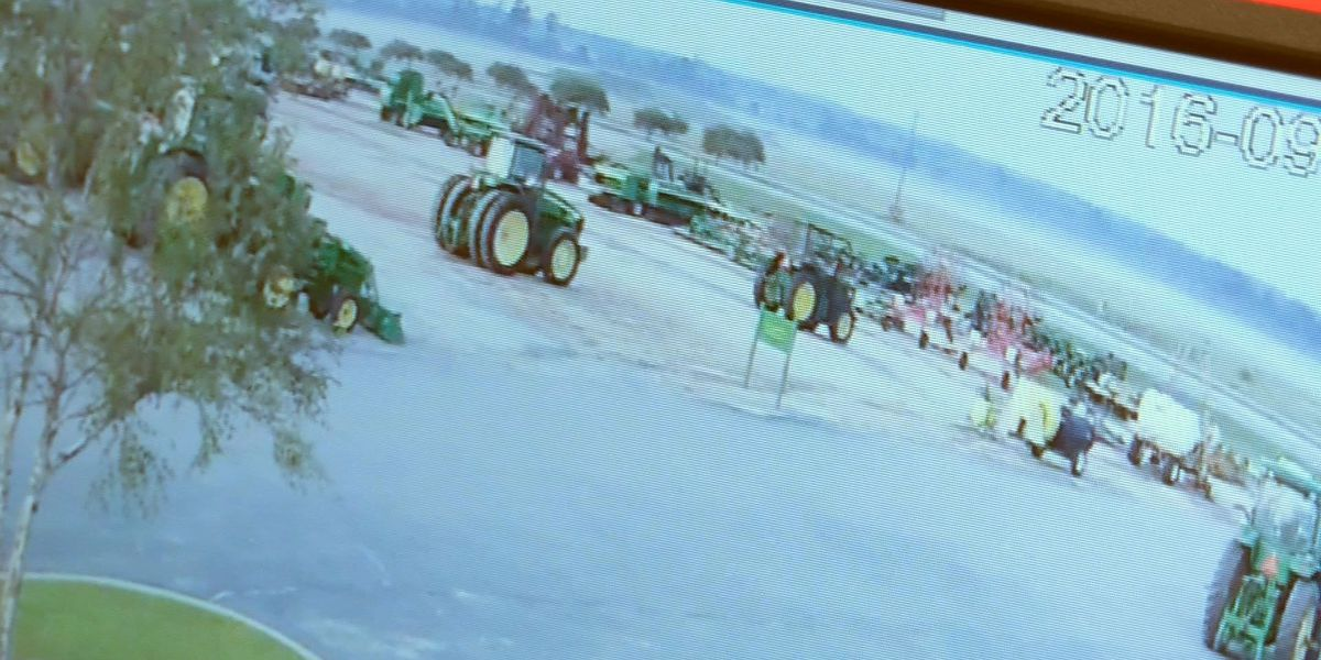 Backhoe stolen from Moultrie tractor company