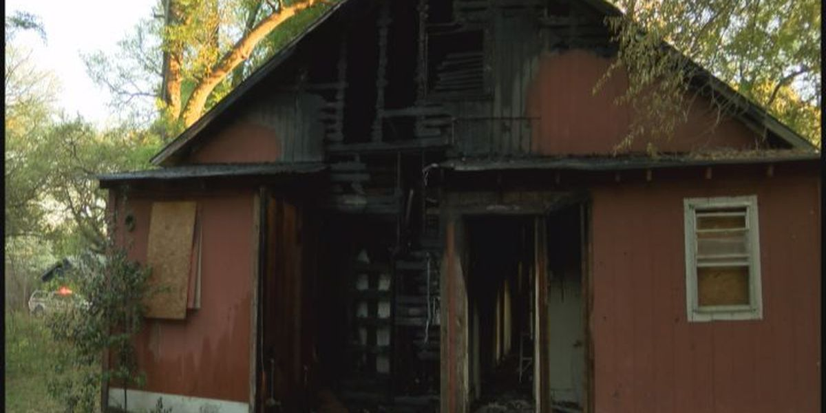 Officials investigate abandoned house fire in Albany