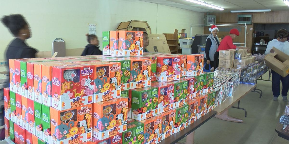 Albany church hands out holiday cheer to families in need